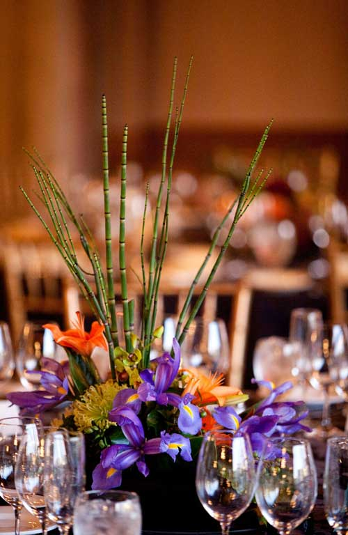 wedding-table-setting-ikebana horsetails