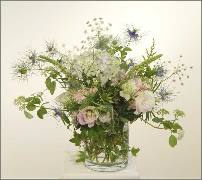 Flower arrangements by yukiko same day delivery for Garden arrangement of plants