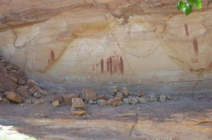 Holy Ghost Group, Great Gallery, Barrier Canyon (Horseshoe Canyon) photo by Peter Neibert