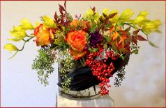 holiday colors table centerpiece