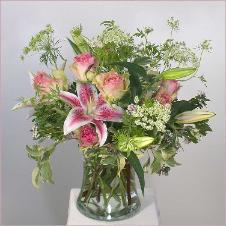 rose bouquet with lilies